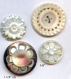 Lot # : 409 - 4 Lovely Old Pearl Buttons