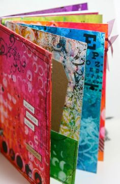 Tutorial on how to make an art journal using dylusions spray inks and stencils Quirky Dutch Summer Guest: Kate Crane Art Journal Pages, Art Journals, Junk Journal, Mixed Media Journal, Mixed Media Art, Journal Vintage, Art Journal Tutorial, Mix Media, Creative Journal