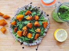Nourish and evolve: Spinach, pesto and pumpkin pizza with a balsamic glaze Base Ingredients: Chia & Buckwheat Pumpkin Pizza, Food Ethics, Feel Good Food, Cook Up A Storm, Healthy Food Blogs, Eat To Live, Balsamic Glaze, Vegan Vegetarian