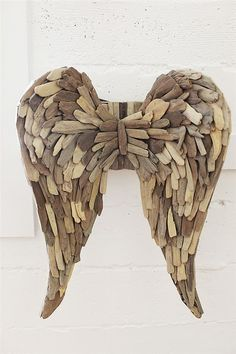 Driftwood Angel Wings - From the Home Decor Discovery Community at www.DecoandBloom.com