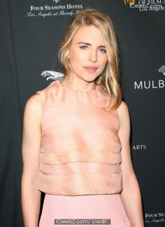 Brit Marling  BAFTA 2014 awards season tea party held at the Four Seasons Hotel - Arrivals http://www.icelebz.com/events/bafta_2014_awards_season_tea_party_held_at_the_four_seasons_hotel_-_arrivals/gallery2.html