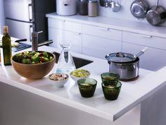Serve your favourite summery salad in a BLANDA MATT bowl.