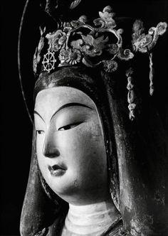 Joruridera Laksmi temple statue head. Japan. Photograph taken in 1939 by Ken Domon