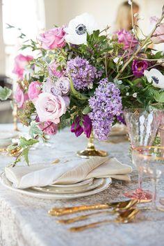 Ultra Violet Wedding Flowers with Glam Gold Decor Light Purple Wedding, Lilac Wedding, April Wedding, Wedding Table Flowers, Wedding Flower Arrangements, Wedding Table Settings, Wedding Centerpieces, Wedding Bouquets, Wedding Decorations
