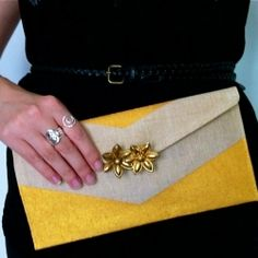 DIY Clutch Design. Great site with so many crafts!