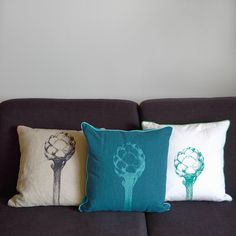 Dreierlei von der Artischocke ;-) Throw Pillows, Etsy, Screen Printing Process, Decorative Throw Pillows, Light Blue, Linen Fabric, Velvet, Colors, Toss Pillows