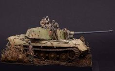 Luc Klinkers , Master Class all the way ! Tamiya Model Kits, Armoured Personnel Carrier, Military Action Figures, Tiger Ii, Military Armor, Tiger Tank, Model Tanks, Armored Fighting Vehicle, Military Modelling