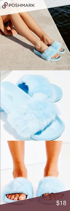NWT Urban Outfitters Sky Blue Fur Slides Adorable. Size 6 Urban Outfitters Shoes Sandals