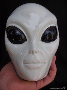 Impresionante hucha vintage en  porcelana cabeza  de alienígena