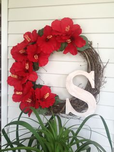 Simple Hibiscus wreath for my mom.