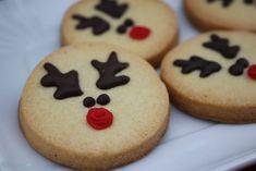 Biscotti a forma di renna facili facili Uno dei soggetti natalizi che io trovo più simpatici sono le renne! Noi qui non ne abbiamo una grande tradizione, i