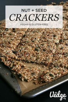 & Seed Crackers Delicious and nutty Nut & Seed Crackers that are gluten-free and grain-free.Delicious and nutty Nut & Seed Crackers that are gluten-free and grain-free. Healthy Crackers, Gluten Free Crackers, Homemade Crackers, Gluten Free Grains, Vegan Gluten Free, Paleo, Almond Recipes, Raw Food Recipes, Snack Recipes