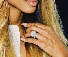 Breathtaking Celebrity Engagement Rings Radiant Engagement Rings, Best Engagement Rings, Katherine Webb, Celebrity Wedding Rings, Engagement Celebration, Heart Shaped Diamond, Types Of Rings, Round Cut Diamond, Diamond Bands