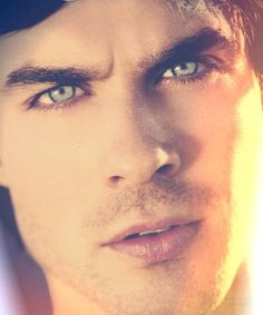 Ian Somerhalder-His flipping eyess!!!