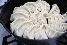 たまには皮も手作りで♪もちもち餃子を作ってみよう! | レシピサイト「Nadia | ナディア」プロの料理を無料で検索