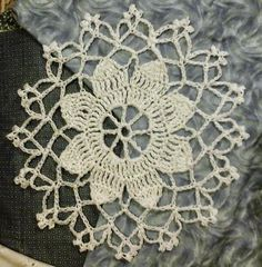Lace crochet motif