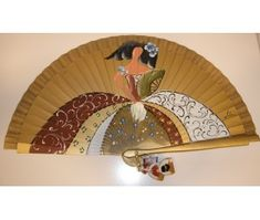 abanicos pintados a mano - Buscar con Google Hand Held Fan, Hand Fans, Antique Fans, Fan Decoration, Umbrellas Parasols, Beautiful Hands, Quilling, Decorative Accessories, Fan Art