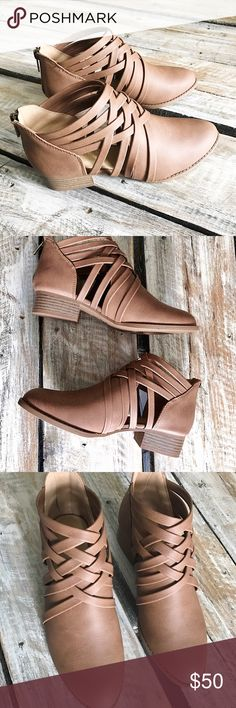Criss-Cross Booties Perfect for Fall/Winter. Faux leather material. 1.5in heel. Shoes Ankle Boots & Booties