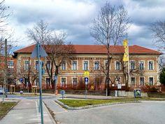 Kőbánya egykori népiskola épülete (Budapest X. Budapest, Mansions, House Styles, Home Decor, Decoration Home, Manor Houses, Room Decor, Villas, Mansion