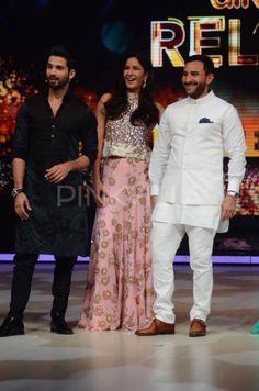 Yes! That's right! Shahid Kapoor and Saif Ali Khan came together for a selfie and fans are bound to love it. The two handsome hunks were joined by Katrina Kaif who dazzled in the pretty avatar. For Phantom promotions, Saif and Katrina were spotted on the sets of Jhalak Dikhhla Jaa Reloaded. And the two stylish actors added more glamour to the already glamorous show. Judge Karan Johar shared the selfie and pictures with Phantom stars, on his social handles. And for the Shahid-Saif-Katrina…