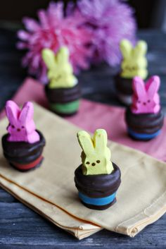 Peep's Magician's Hat Marshmallow Bites. A perfect Easter dessert that the kids can help make!