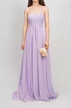 Exactly what I want for my bridesmaids! Love this dress, simple and very pretty!