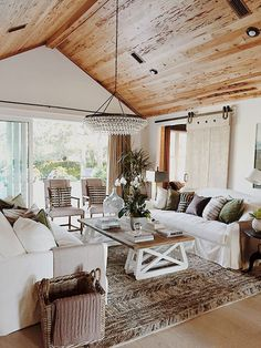 60 cool modern farmhouse living room decor ideas (44)