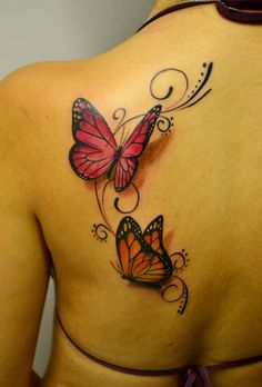 Check Out 35 Amazing Tattoo Designs. Tattoo art mastery has advanced to the point where tattoo artists can create convincing and sometimes even photo-realistic optical illusions on their clients' skin. Butterfly Tattoo On Shoulder, Butterfly Tattoos For Women, Small Butterfly Tattoo, Butterfly Tattoo Designs, Tattoo Shoulder, Simple Butterfly, Blue Butterfly, Tattoo Son, Tattoo Henna