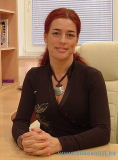 Žana Vračun, Pikica Sonca. Bioresonančne terapije SCIO, Soluna Dance, Djotish svetovanja, Regresija, The Reconnection. http://duhovnost.eu/sl/Izvajalci_terapij/Zana_Vracun_Pikica_Sonca/