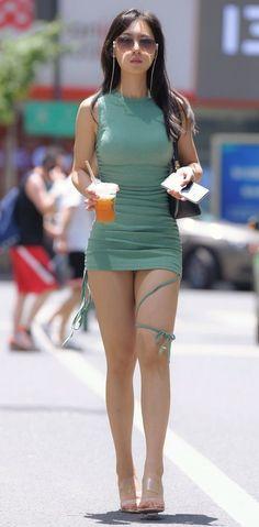 Curvy Women Fashion, Girl Fashion, Sexy Dresses, Short Dresses, Girls In Mini Skirts, Miami Fashion, Beautiful Asian Women, Girl Model, Sensual