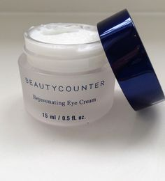 The best anti-aging eye cream helps to reduce fine lines and wrinkles without the harmful ingredients.