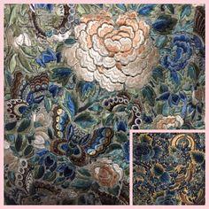 Ein über 100 Jahre alter Stoff mit dem Stoffmuster Blumen. #gartenblog #nähenisttoll #handgemacht Alter, Collagen, Painting, Cloth Patterns, Scary, Fabrics, Florals, Painting Art, Paintings