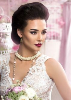 Vintage Glamour Wedding, Traditional Dresses, Wedding Accessories, One Shoulder Wedding Dress, Marie, Wedding Dresses, How To Wear, Rings, Fashion