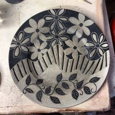 sgraffito tecnique pottery | Working on sgraffito technique