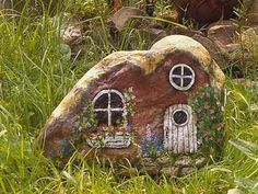 This is such a charming cottage. I wonder who lives here? Very nice artwork!