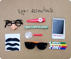 Spy party - some easy ideas to use in our spy themed unit Geheimagenten Party, Party Bags, Party Time, Party Favors, Party Ideas, Farm Party, Theme Ideas, Shower Favors, Shower Invitations