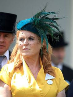 Sarah Ferguson wore an eye-catching mustard yellow number with a striking green hat with w.at day in Ascot Duchess Of York, Duke Of York, Duke And Duchess, Sarah Ferguson, Princess Eugenie, Princess Beatrice, Eugenie Of York, Queen Dress, Looking Dapper