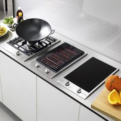 hob from Miele 10 of the best domino hobs kitchen appliance ideas kitchen ideas housetohome Smart Kitchen, Kitchen Hob, Kitchen Cooker, Kitchen Ikea, Cocinas Kitchen, Modern Kitchen Cabinets, Modern Farmhouse Kitchens, Home Decor Kitchen, Home Kitchens