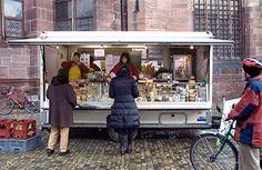 Schön stinkig: Bio-Käse vom Käsewagen von der Ferme Durr auf dem Münstermarkt.