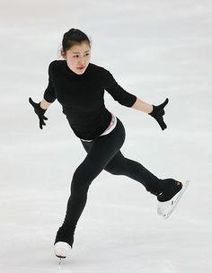 全日本選手権開幕を翌日に控え、練習する村上佳菜子=25日、長野市のビッグハット ▼25Dec2014時事通信|新女王懸け火花=全日本フィギュア http://www.jiji.com/jc/zc?k=201412/2014122500792 #Kanako_Murakami #Big_Hat_Nagano #Japan_Figure_Skating_Championships_2014 ◆Japan Figure Skating Championships - Wikipedia http://en.wikipedia.org/wiki/Japan_Figure_Skating_Championships
