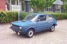 my God it was hideous Fiat 126, Italy Spain, All Over The World, The Incredibles, Vehicles, Blue Cars, Image, God, Google