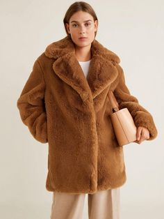 You will feel yourself hugging a large teddy in this brown faux fur coat! 🐻 Mid-length Brown Faux Fur Coat with pockets on the side. Bear Fur Coat, Mango Clothing, Brown Faux Fur Coat, Coats For Women, Clothes For Women, Inspiration Mode, Ideias Fashion, Model, Jackets