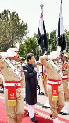Imran Khan Pic, Imran Khan Pakistan, Imran Khan Wedding, Pti Pakistan, Great Leaders, Handsome, Winter Jackets, Japanese Painting, Prime Minister
