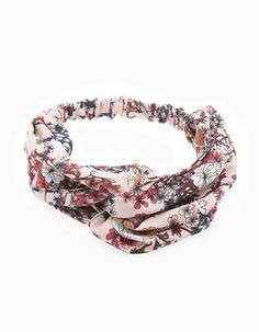 At Stradivarius you'll find 1 Floral semi-turban headband for woman for just 7.95 € . Visit now to discover this and more HEADBANDS.