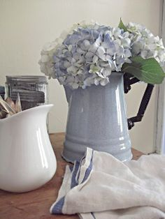 ♥ ~ ♥ Blue and White ♥ ~ ♥ Blue Hydrangea, Blue Flowers, Hydrangeas, Rustic Farmhouse, Farmhouse Style, Farmhouse Pitchers, Blue And White China, White Cottage, Aqua