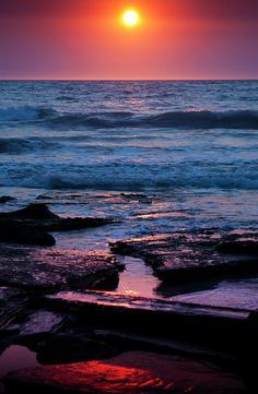 ✯ Setting sun over Cable Beach at Broome