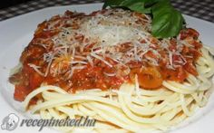 Bologna, Spaghetti, Food And Drink, Ethnic Recipes, Noodle