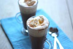 Ik drink regelmatig warme chocolademelk maar ik had zin in iets anders. Hierdoor kwam ik op het idee om een lekkere warme kaneel-chocolademelk te maken.