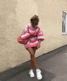 Vestidos Neon, Vestidos Color Rosa, Mode Outfits, Trendy Outfits, Fashion Outfits, Womens Fashion, Fashion Killa, Look Fashion, Autumn Fashion