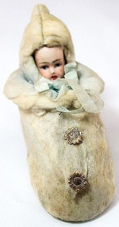 Antique Winter Baby in Bunting Candy Container. Victorian Christmas Decorations, Paper Christmas Decorations, Antique Christmas, Vintage Christmas Ornaments, Christmas Crafts, Old Dolls, Antique Dolls, 1920s, Old Fashioned Christmas